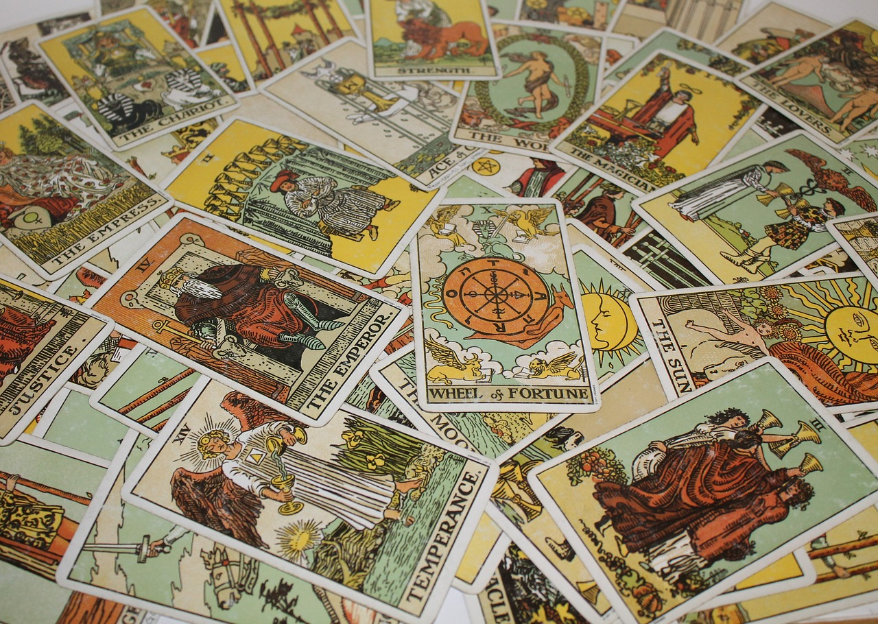 The Varying Uses Of Tarot Cards – A Comprehensive Guide
